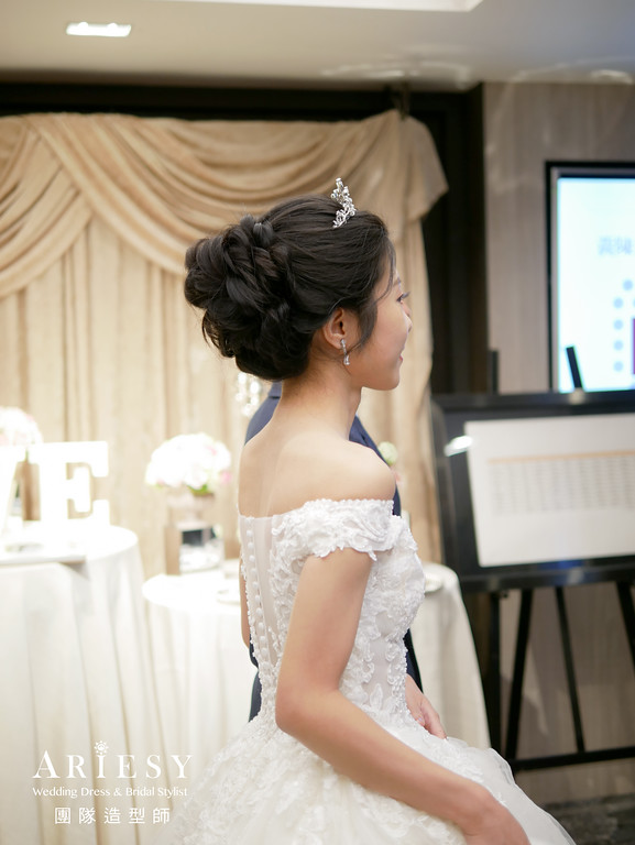 進場髮型,黑髮編髮造型,新秘,皇冠造型,單眼皮妝感