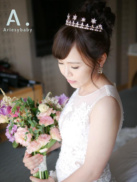 白紗造型,新娘髮型,Ariesybaby造型團隊,ARIESY愛瑞思品牌訂製手工婚紗,專屬新娘訂製捧花