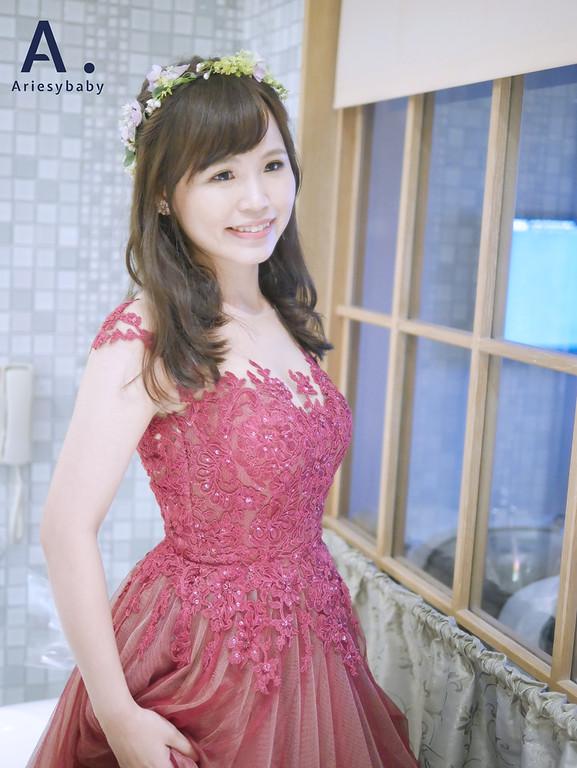 送客造型,新娘髮型,Ariesybaby造型團隊,ARIESY愛瑞思品牌訂製手工婚紗,鮮花花圈飾品