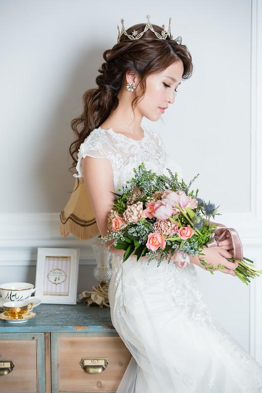 台北新秘,愛瑞思,新娘捧花,歐美風新娘髮,編髮造型