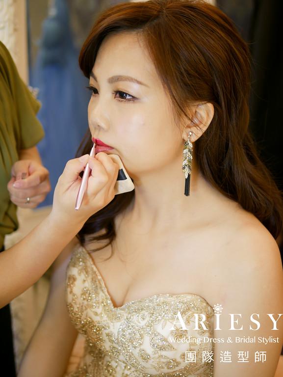 敬酒髮型,金色禮服,台北新秘,新娘造型,新娘髮型