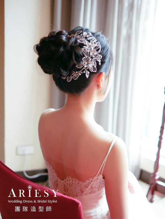 """""""美式風格,黑髮新娘,自然輕透妝感,低馬尾造型,新娘秘書/"""