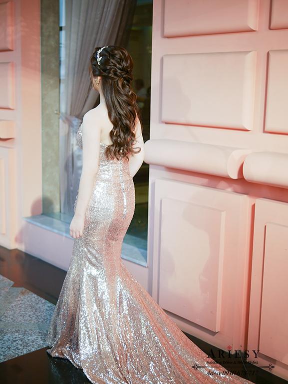 名媛新娘造型,新娘秘書,歐美新秘,金色禮服,新娘編髮,台北新秘