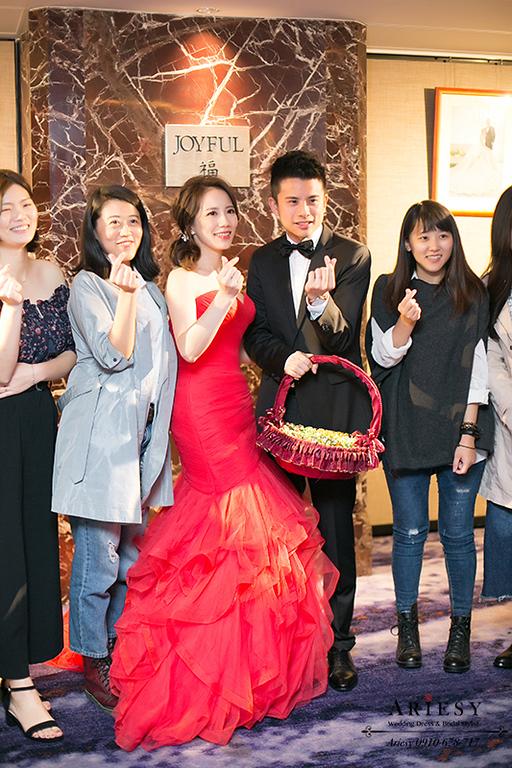 台北美式新秘,喜來登新娘婚禮,紅色禮服新娘造型,側邊馬尾造型,歐美新秘編髮盤髮,ARIESY新娘秘書