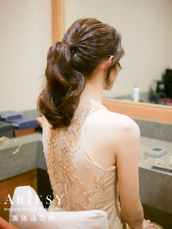 金色禮服造型,送客髮型,時尚造型,新娘造型,歐美風格