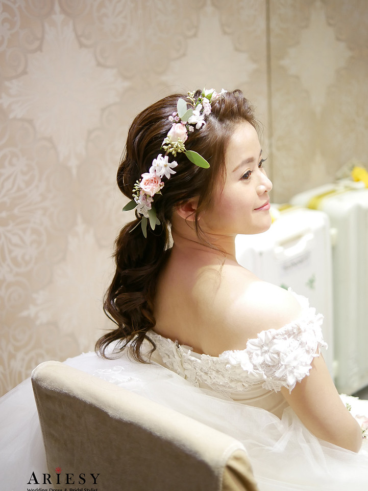 歐美新秘,鮮花新秘,低馬尾髮型,歐美髮型,婚紗造型