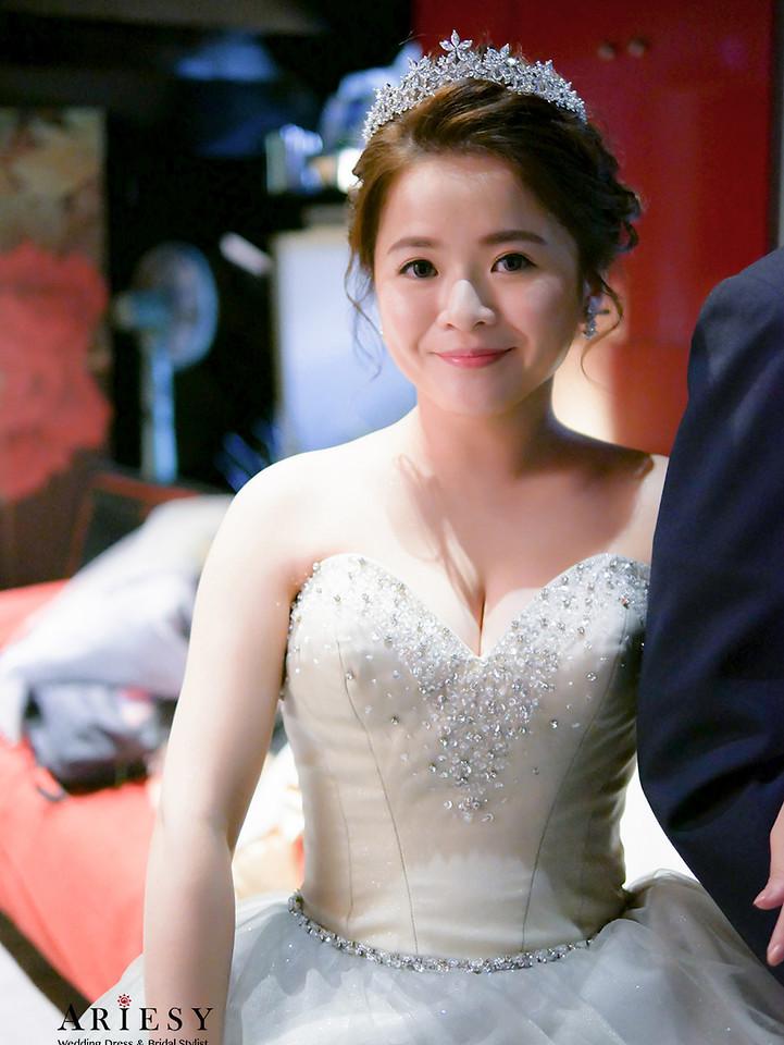 銀色禮服造型,皇冠造型,新娘髮型,台北新秘