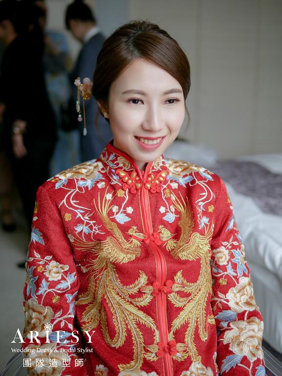 文定髮型,秀禾服造型,新娘乾淨盤髮,台北新秘,乾淨氣質妝感
