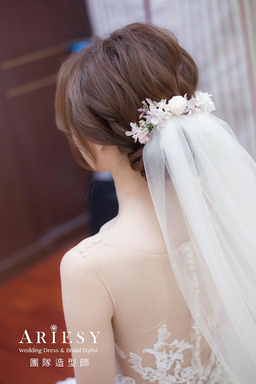 台北新祕,新娘秘書,新娘造型,白紗造型,蓬鬆編髮,花藝飾品,新娘髮型,新祕,推薦新祕