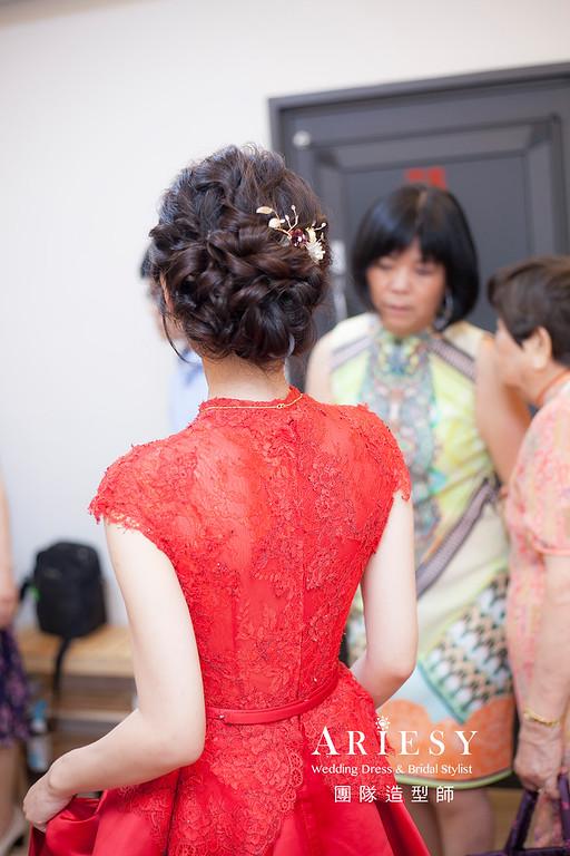 台北新祕,新娘秘書,新娘造型,自然清透妝感,文訂造型,蓬鬆編髮,新秘,新娘髮型