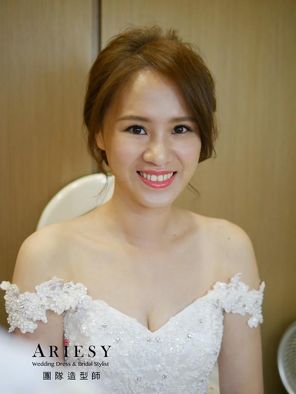 台北新娘秘書,自然清透妝感,蓬鬆盤髮,白紗造型,Nica新秘