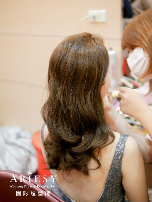 敬酒造型,新娘時尚造型,銀色禮服造型,氣質造型,放髮造型