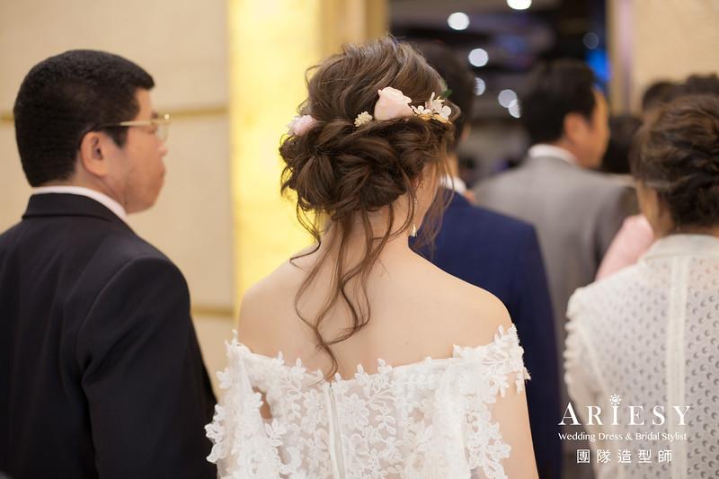 白紗進場髮型,新娘長拖尾造型,推薦新秘,新秘花藝,新娘編髮