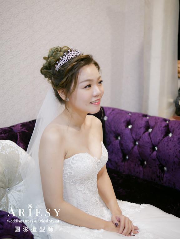白紗進場髮型,編髮造型,皇冠造型,新娘妝,推薦新秘
