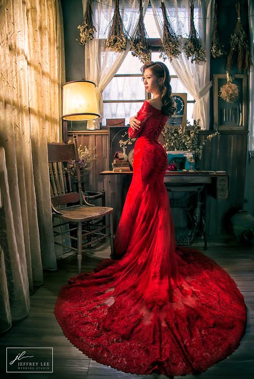 紅色魚尾,紅色禮服造型,新莊禮服出租,婚紗造型,新莊婚紗工作室,愛瑞思婚紗