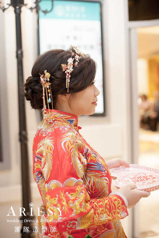 文定造型,紅色禮服造型,秀禾服,新娘編髮,台北新秘