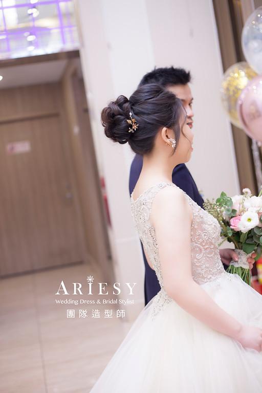 桃園新祕,新娘秘書,新娘造型,蓬鬆編髮,白紗造型,自然清透妝感,新娘髮型,盤髮造型,推薦新秘