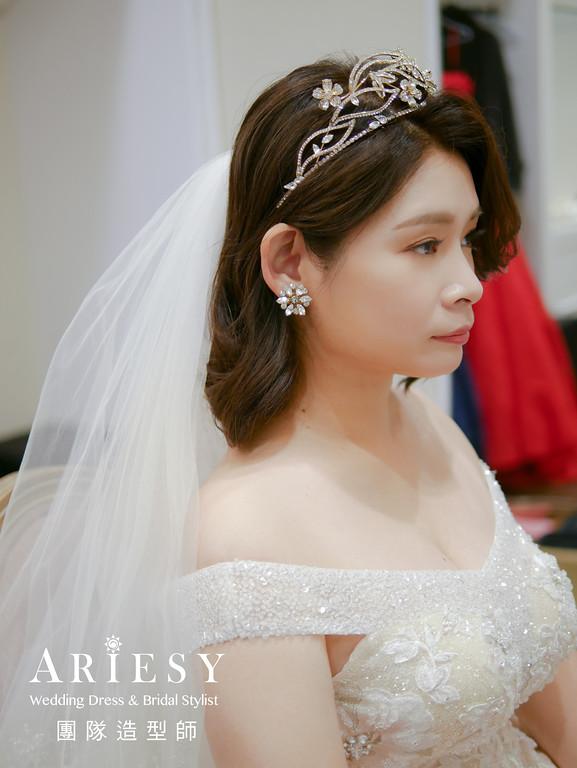 進場髮型,新娘短髮髮型,新娘皇冠造型,自然妝感,短髮新娘