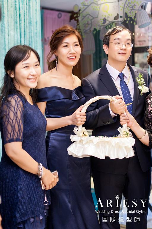 手工婚紗,台北新娘秘書,新娘造型,鮮花造型,自然妝感