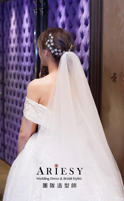 台北新祕,新娘秘書,新娘造型,新娘編髮,白紗造型,自然清透妝感,新娘髮型,皇冠造型,推薦新秘