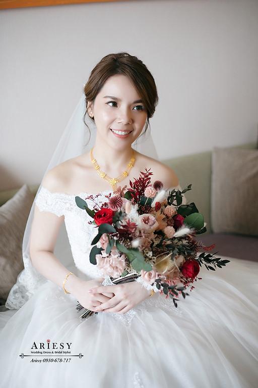 細軟髮白紗新娘造型,愛瑞思,ariesy,台北新秘,新娘秘書,新秘推薦
