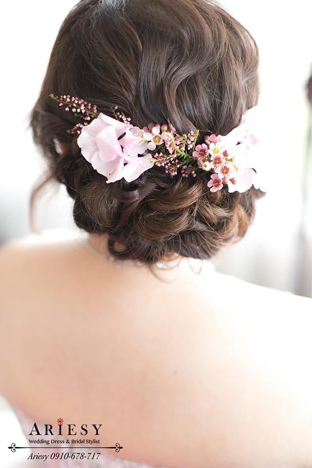 台北新娘秘書,晶華酒店新秘,粉色繡球花新娘造型,新娘花圈,髮量少新娘