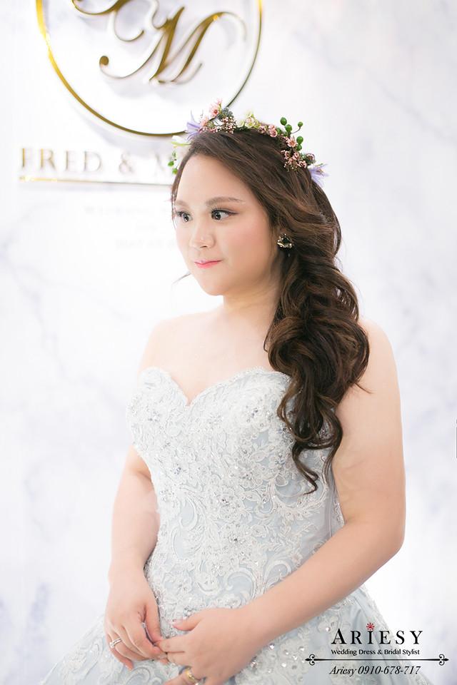 台北新娘秘書,晶華酒店新秘,送客造型,鮮花新秘,新娘花圈,髮量少新娘髮型