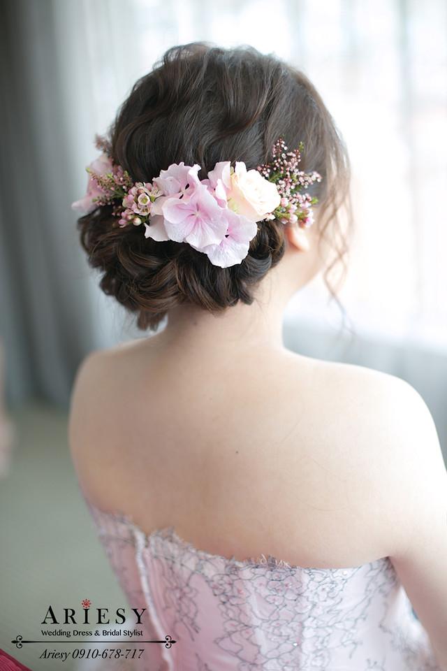 新娘秘書,晶華酒店新秘,粉色繡球花新娘造型,新秘作品,新娘花圈,髮量少造型,細軟髮新娘髮型