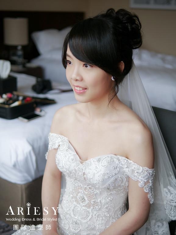 白紗進場髮型,編髮造型,新娘自然妝,類婚紗,新娘造型