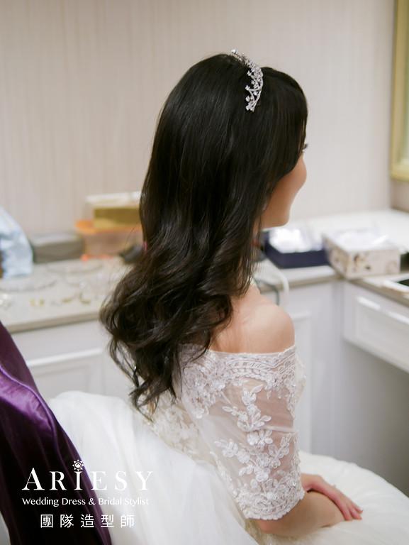 白紗送客造型,送客髮型,皇冠造型,放髮造型,新娘造型