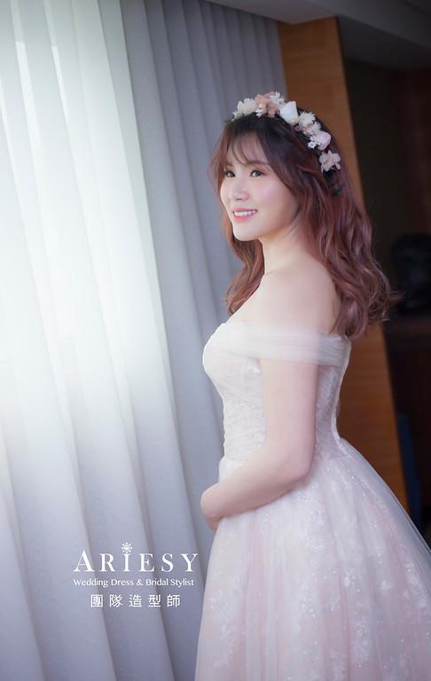 台北新祕,新娘秘書,新娘造型,自然輕透妝感,放髮造型,花藝新祕,新娘髮型,乾燥花造型