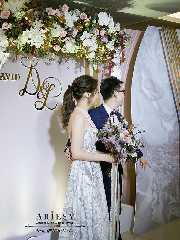 新娘秘書,時尚馬尾,送客造型,銀色禮服,新秘,台中日月千禧