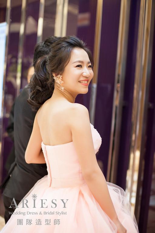 鮮花飾品,台北新娘秘書,敬酒造型,新秘花藝,黑髮造型