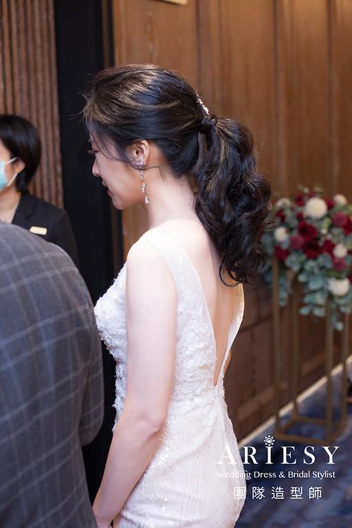台南新祕,新娘秘書,新娘造型,新娘編髮,馬尾造型,清透妝感,新娘髮型,編髮造型,推薦新秘,黑髮新娘