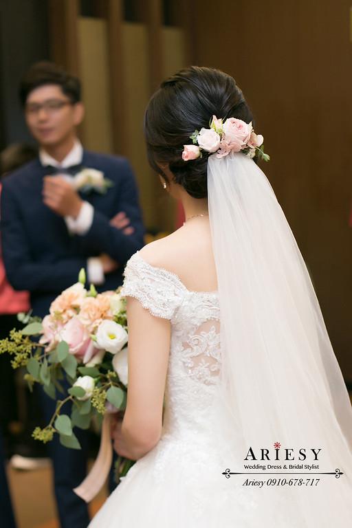 台北新秘推薦,黑髮新娘髮型,新娘秘書,手作莫蘭迪色鮮花捧花,愛瑞思,ARIESY