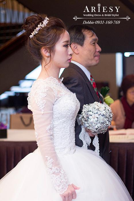 新娘秘書,新娘髮型,新娘丸子頭造型,花藝新秘,台北新秘