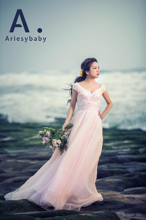 手作捧花,蓬鬆編髮造型,低馬尾造型,新娘髮型,鮮花花藝飾品