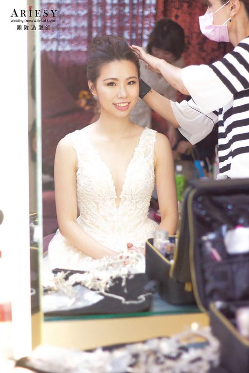 新娘秘書,新娘髮型,新秘造型,白紗進場造型,台北新秘
