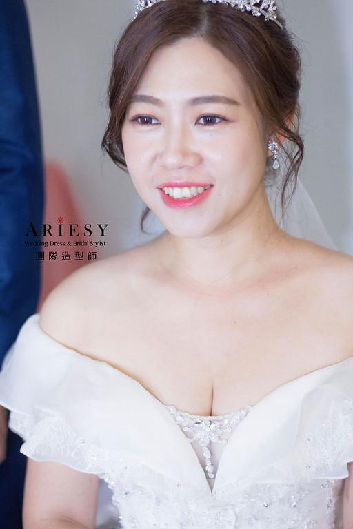 https://photos.smugmug.com/新娘秘書-新娘喜歡像自己的自然妝感-訂婚紅色禮服花藝造型-戶外證婚白紗新娘造型-bride-筠/i-4N6P8qR/0/e7c2c2ae/XL/IMG_5827-XL.jpg