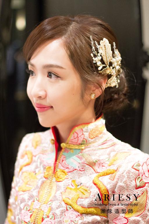 https://photos.smugmug.com/新娘秘書-時尚高雅丸子頭龍鳳掛訂婚造型-bride-玄/i-P4nbK2g/0/855ccf1e/XL/IMG_5288-XL.jpg