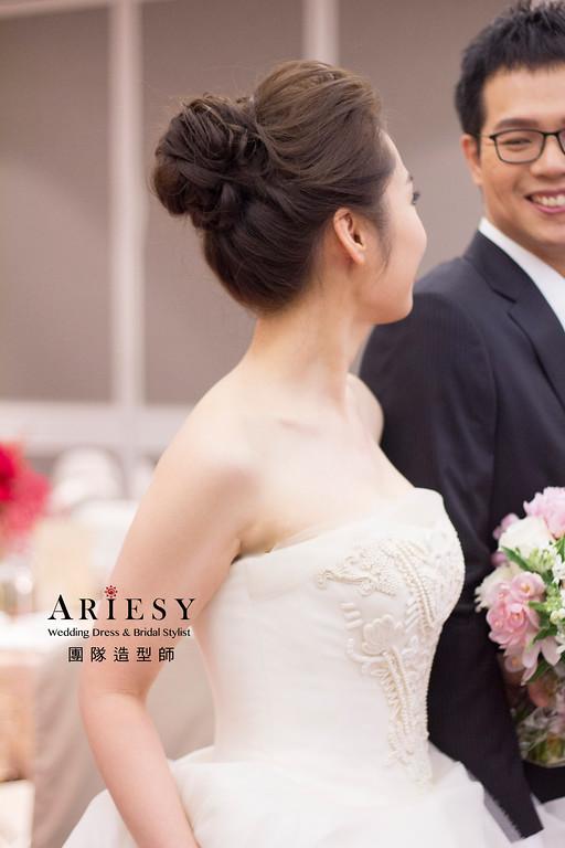 新娘秘書,新秘造型,自然清透妝感,龍鳳掛造型,時尚歐美風造型