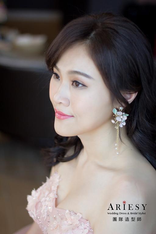 新娘秘書,新秘造型,自然清透妝感,白紗造型,台北新秘