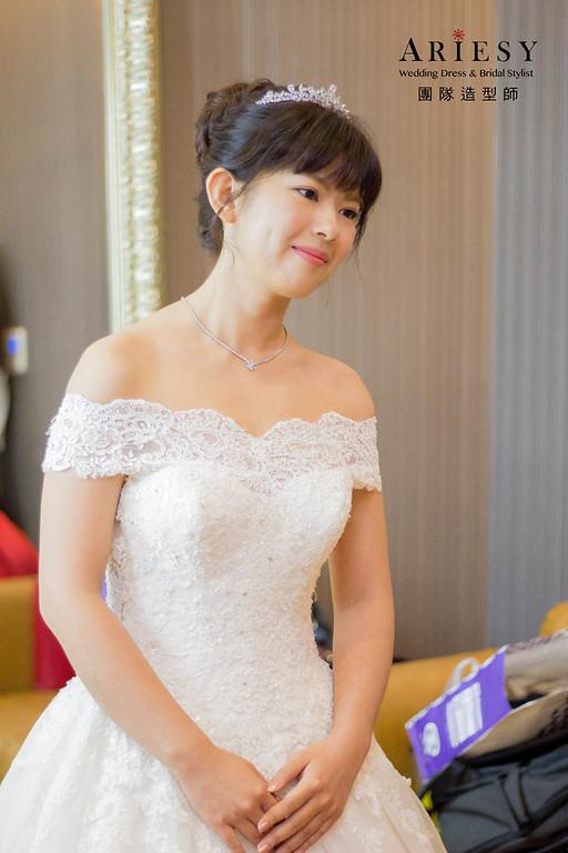 新娘秘書,新秘造型,黑髮造型,大波浪放髮造型,新娘白紗造型