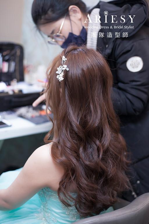 新祕推薦,新娘秘書,新娘造型,編髮新祕,送客造型,花藝新娘飾品,新娘髮型,自然妝感