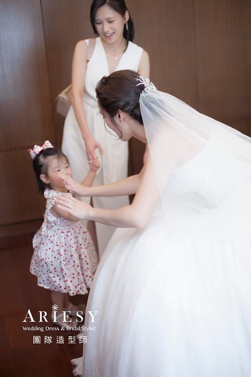 台北新祕,新娘秘書,新娘造型,蓬鬆編髮,白紗造型,自然清透妝感,新娘髮型,盤髮造型,推薦新秘,細軟髮新娘