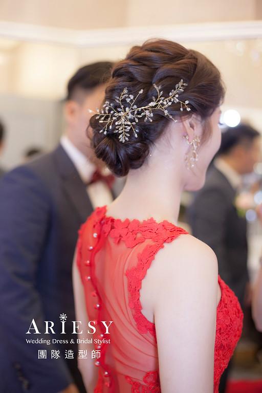 台北新祕,新娘秘書,新娘造型,蓬鬆編髮,敬酒造型,自然清透妝感,新娘髮型,編髮造型,推薦新秘,細軟髮新娘