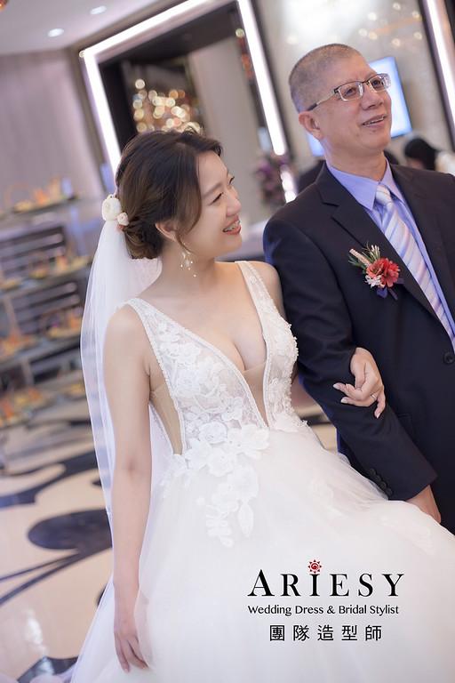 新竹新祕,新娘秘書,新娘造型,編髮新祕,白紗造型,清透妝感,新娘髮型,編髮造型,新秘