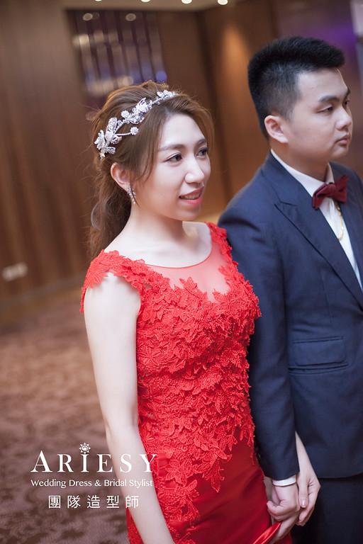 台北新祕,新娘秘書,新娘造型,編髮新祕,敬酒造型,自然清透妝感,新娘髮型,編髮造型,紅禮服造型