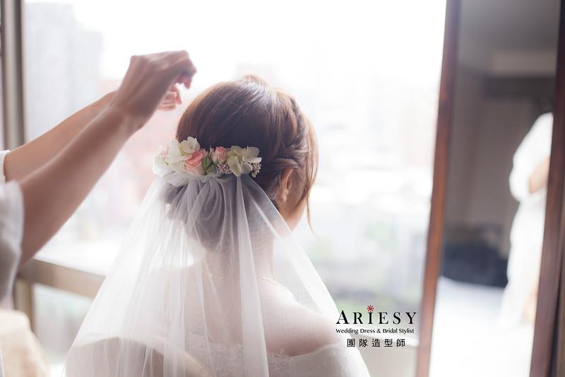 台北新祕,新娘秘書,新娘造型,自然清透妝感,蓬鬆編髮,白紗造型,新娘髮型,花藝飾品