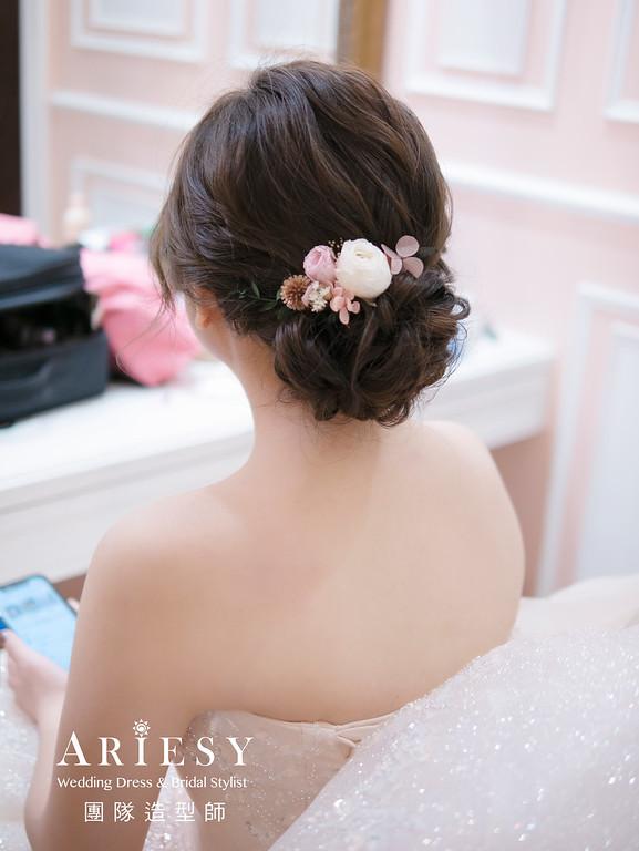 新秘推薦、自然輕透妝感、花藝白紗造型、新秘、新秘推薦